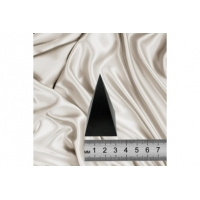 Polished high pyramid 3 cm