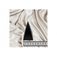 Polished high pyramid 4 cm